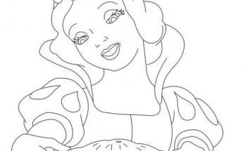 Dibujo Blancanieves ha preparado un pastel