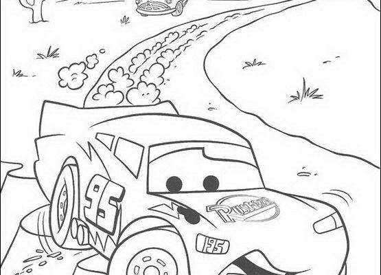 Dibujo Coches de Cars en plena carrera