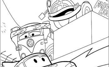 Dibujo Rayo recibe la ayuda de sus amigos