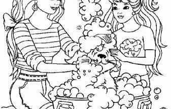 Dibujo Barbie bañando a su mascota