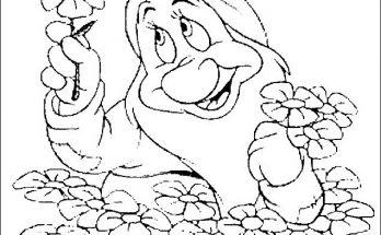Dibujo Enanito cogiendo flores