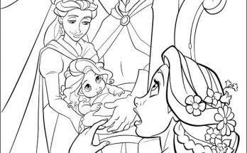 Dibujo Rapunzel ve una imagen de sus padres